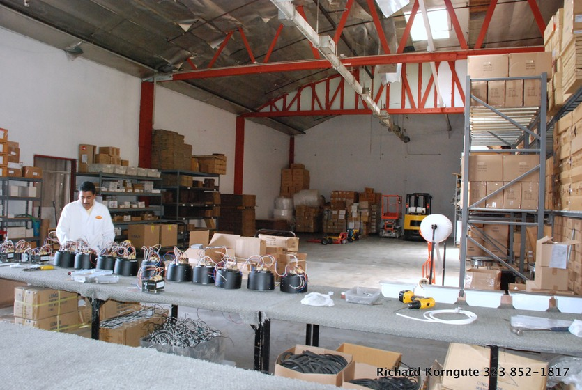 Awesome 10 PV Lamp Factory 009.JPG